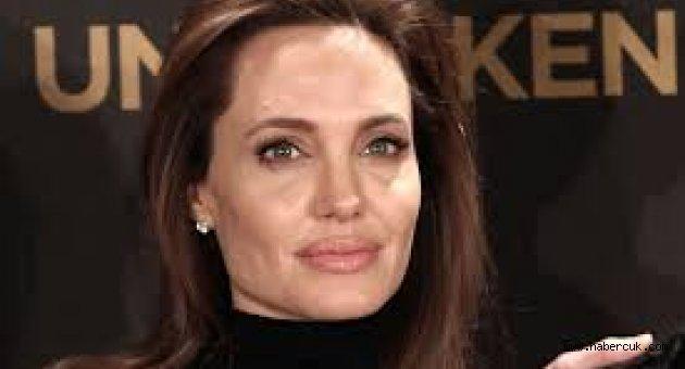 Angelina Jolie: Menopozda Olduğum İçin Mutluyum