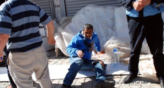 Belediye işçileri yıkılan duvarın altında kaldı: 1 ölü, 5 yaralı