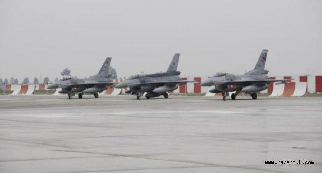 Diyarbakır'dan kalkan F-16'lar PKK Kamplarına Bomba Yağdırdı