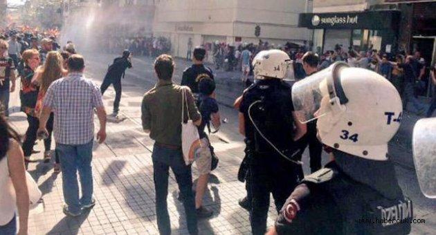 Taksim'de 'Onur Yürüyüşü'ne biber gazı ve plastik mermi