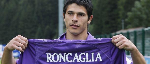 Arjantinli stoper Roncaglia bitiyor