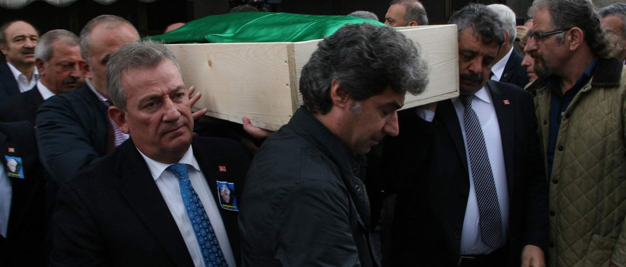 CHP'li Pekşen istifaya çağırdı, sert konuştu