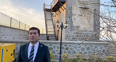 CHP Milletvekili Kaya, Ayasofya Müzesi'ndeki çan kulesine yapılan merdivene dikkat çekti