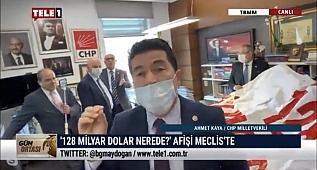 """Meclise """"128 Milyar Dolar Nerede?"""" afişi astılar"""