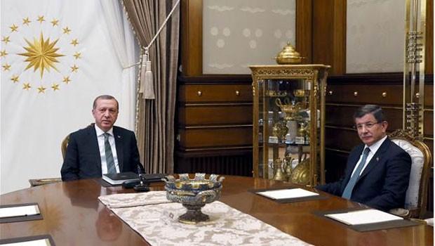 Ahmet Davutoğlu ile 21 ay Siyaset