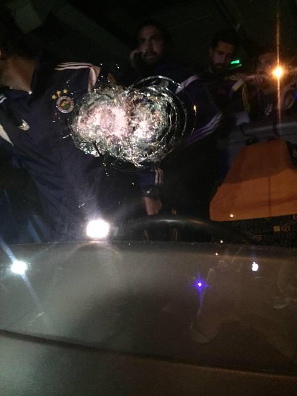 Emre Belözoğlu olay yerinde gazetecilere küfür etti